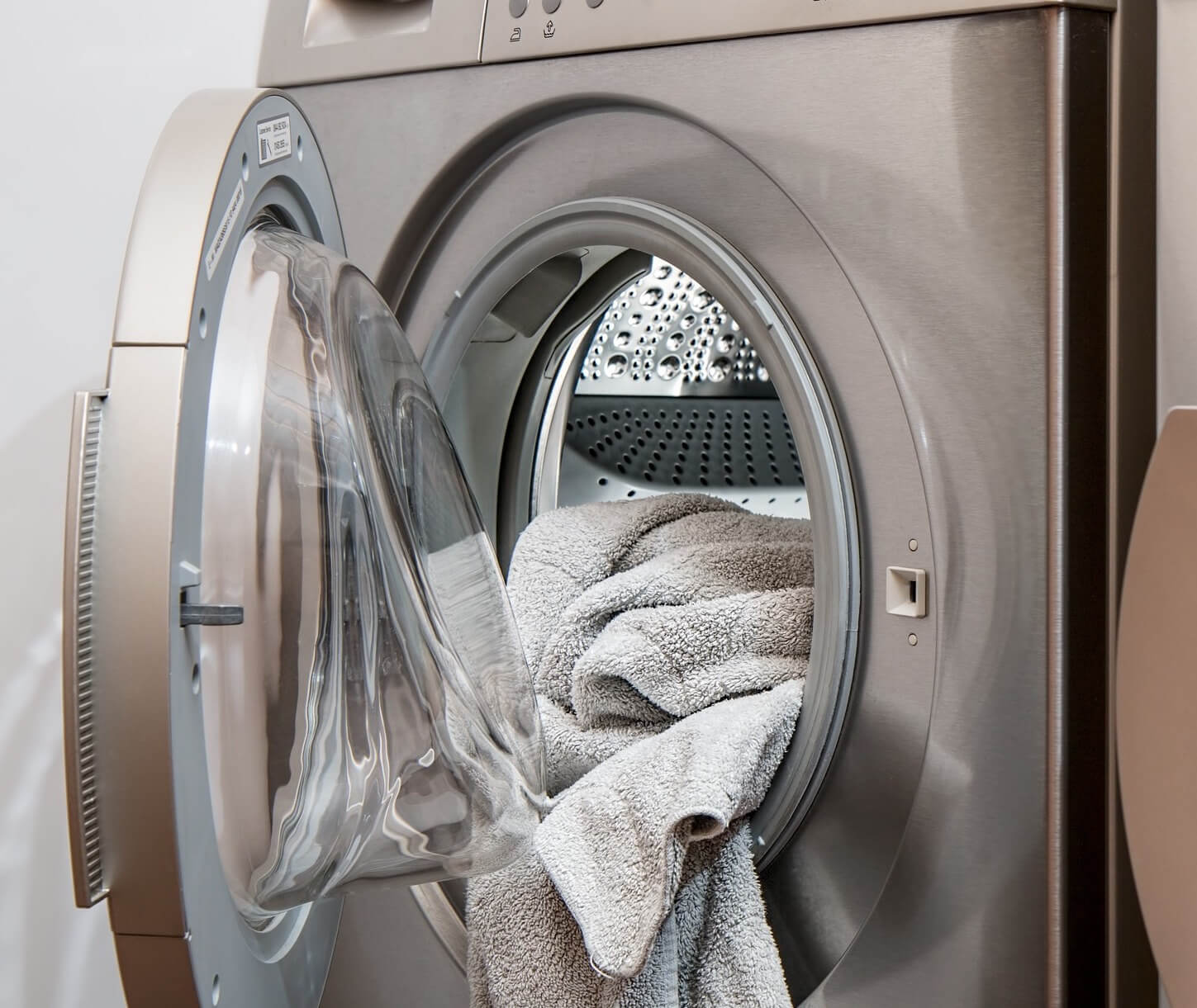 dryer vent cleaning with laundry